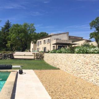 maison-hôtes-piscine-Aix-en-Provence-Venelles