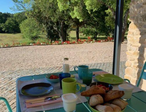 petit-déjeuner-maison-d-hôtes-Venelles-PACA